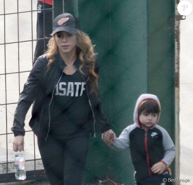 Semi Exclusif - Shakira et son fils Milan Piqué à Barcelone, le 22 janvier 2016