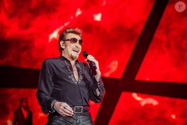 PHOTO EXCLUSIVE - Johnny Hallyday en concert à l'AccorHotels Arena à Paris, le 28 novembre 2015 © Wino/Bestimage.