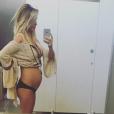 Audrina Patridge enceinte, dévoile son joli baby-bump naissant, sur sa page Instagram. Photo publiée, le 31 janvier 2016.