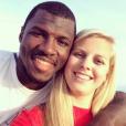 Tony Steward, linebacker des Buffalo Bills en NFL, a fait part le 2 février 2016 de la mort de sa fiancée Brittany Burns, emportée en moins de deux mois par un cancer de l'ovaire. Photo Instagram Tony Steward mars 2015, pour célébrer leurs trois ans d'amour.