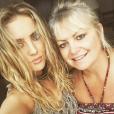 Perrie Edwards a publié une photo d'elle et sa mère sur sa page Instagram, au mois de janvier 2016.