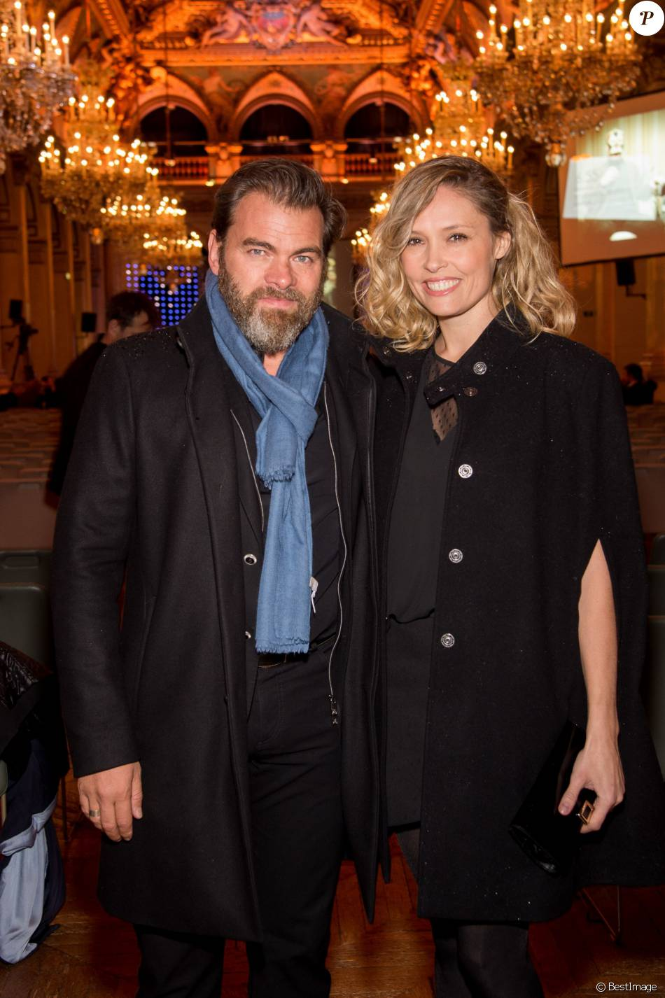 Clovis Cornillac et sa femme Lilou Fogli lors de la 21e cérémonie des Lauriers de la radio et de la télévision à l'Hôtel de Ville de Paris le 8 février 2016