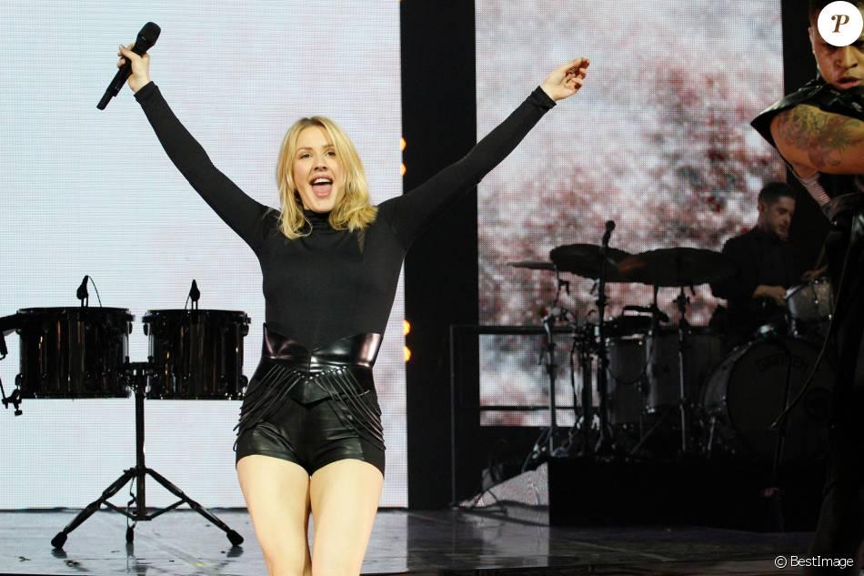 Ellie Goulding assure le show au Zénith à Paris le 25 février 2016.