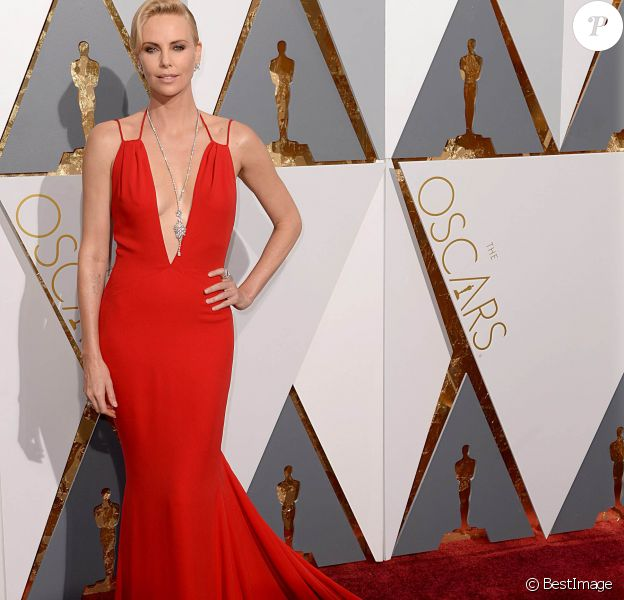 Charlize Theron (Habillée en Dior) - 88e cérémonie des Oscars à Hollywood, le 28 février 2016.