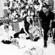 Chris Bosh et sa femme Adrienne (photo Instagram, lors de Noël 2015 en famille) sont devenus le 15 mars 2016 parents de jumeaux, Lennox et Phoenix, qui rejoignent leur grande demi-soeur Trinity (6 ans), leur frère Jackson et leur soeur Dylan Skye.