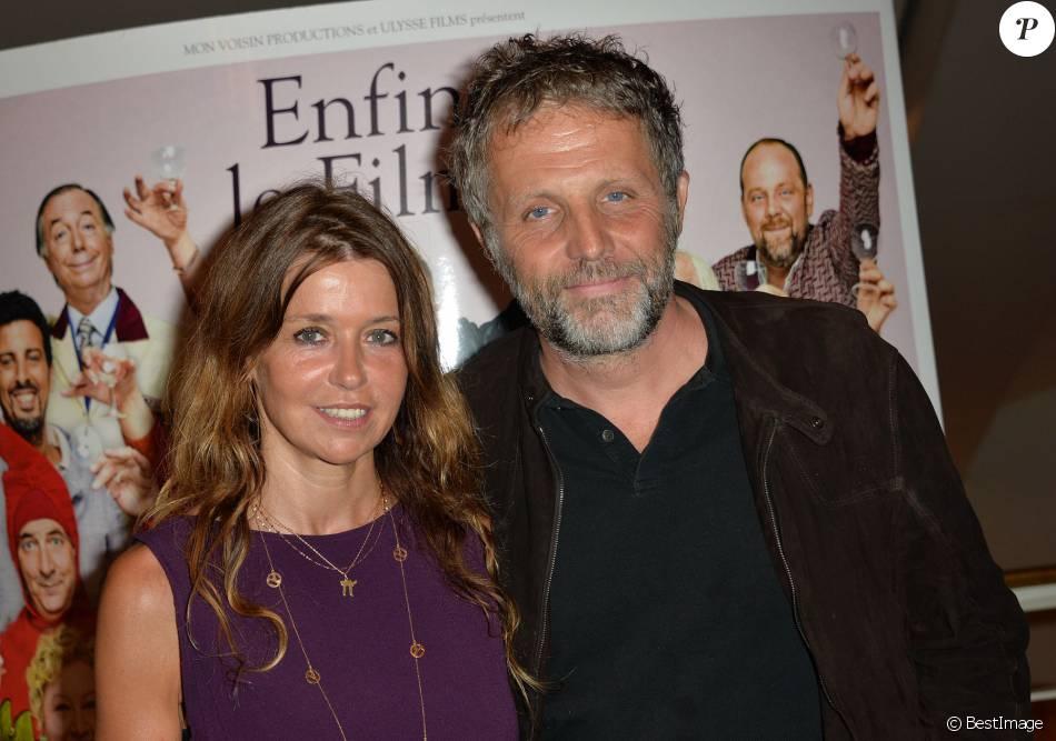 """Stéphane Guillon et sa femme Muriel Cousin - Avant-première du film """"Brèves de comptoir"""" au Théâtre du Rond-Point à Paris, le 8 septembre 2014."""