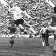 Berti Vogts (à gauche) face à Johan Cruyff (no. 14) durant la finale de la Coupe du Monde de 1974