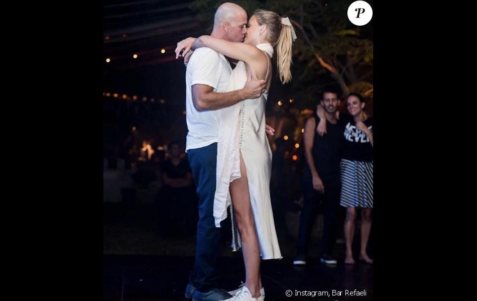 Photo du mariage d'Adi Ezra et Bar Refaeli publiée le 17 ... Bar Refaeli Divorce