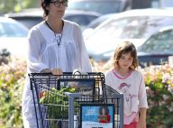 Carrie-Anne Moss, maman poule discrète avec sa petite Frances, loin des écrans...