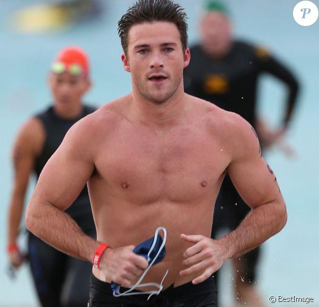 Scott Eastwood participe au South Beach Triathlon pour une oeuvre de charité à Miami le 3 avril 2016. © CPA / Bestimage