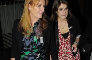 REPORTAGE PHOTOS : Sarah Ferguson, mais... jette cette vilaine robe!