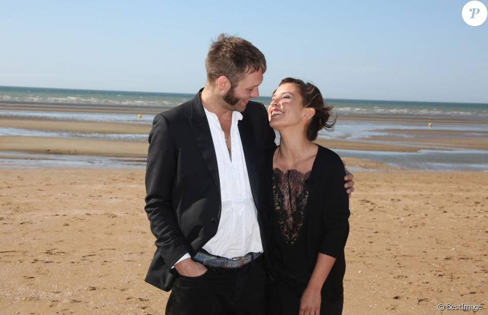 Paul Hamy Et Flore Bonaventura Festival Du Film Romantique De Cabourg Le 13 Juin 2014 Purepeople