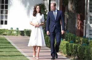 Kate Middleton à New Delhi : Un hommage en robe volante, un autre pieds nus