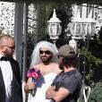 Exclusif - Arrivée de Cyril Hanouna en robe de mariée, accompagné de Moktar Guetari, à la Little white wedding chapel à Las Vegas le 2 avril 2016. Cyril Hanouna et son futur époux Camille Combal sont partis à Las Vegas le jeudi 31 mars 2016 pour célèbrer leur mariage le samedi 2 avril 2016.