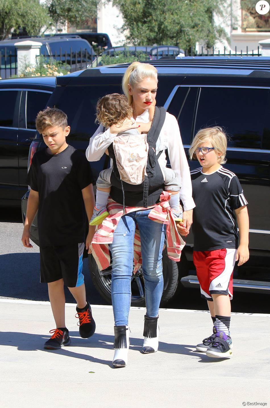gwen stefani amp blake shelton take her kids to easter