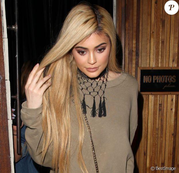 Kylie Jenner à la sortie du restaurant The Nice Guy à West Hollywood, le 7 mai 2016West Hollywood, le 7 mai 2016