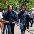 """Bruce Jenner, Brody Jenner sur le plateau de l'emission """"Extra"""" a Los Angeles, le 30 mai 2013."""