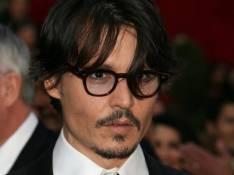 Deux grands monstres sacrés rejoignent Johnny Depp au Pays des Merveilles !