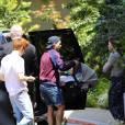 Louis Tomlinson et son fils Freddie Reign ainsi que sa compagne Danielle Campbell dans les rues de Los Angeles, le 26 avril 2016