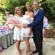 Nicky Hilton a fête la future naissance de sa petite fille lors d'une baby-shower grand luxe avec sa soeur Paris et ses parents Richard et Kathy Hilton, le 13 mai, dans les jardins de l'hôtel Bel Air à Beverly Hills.