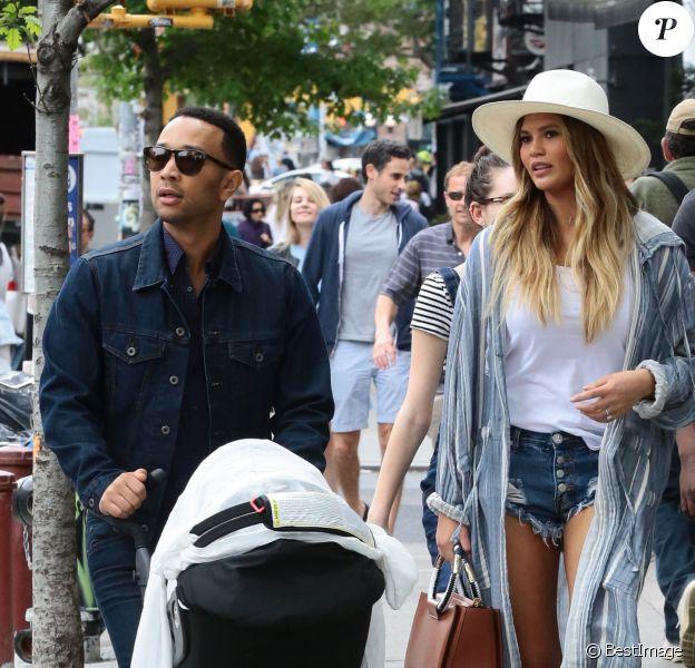 Chrissy Teigen, son mari John Legend et leur fille Luna à New York. Le 14 mai 2016.