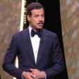 Laurent Lafitte débute sa cérémonie de clôture au Festival de Cannes 2016.