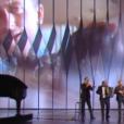 Ibrahim Maalouf joue sur scène et rend hommage au cinéma.