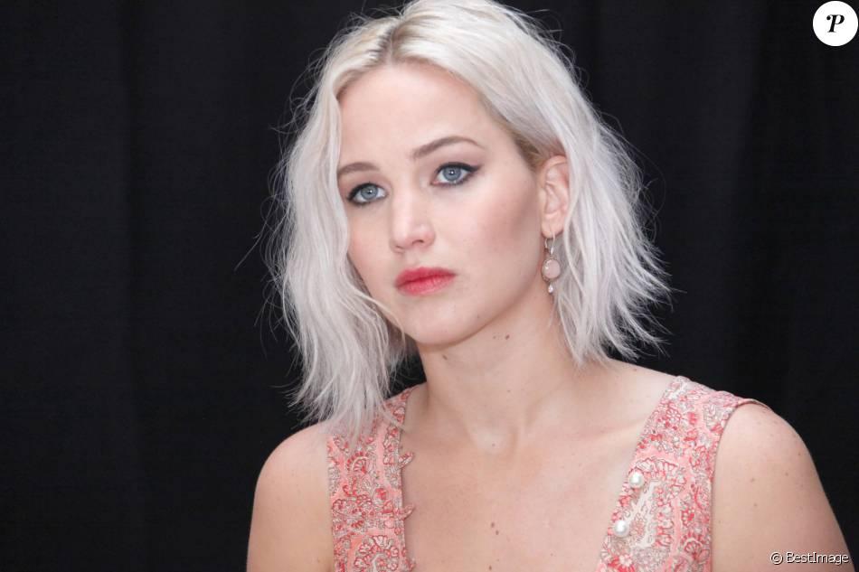 """Jennifer Lawrence, en conférence de presse pour le film """"X-Men: Apocalypse"""". Le 8 mai 2016 au Claridges Hotel, à Londres."""