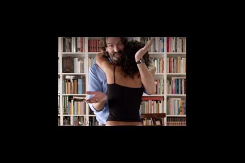 Frédéric Beigbeder controversé : Ses culottes ne plaisent pas à tout le monde