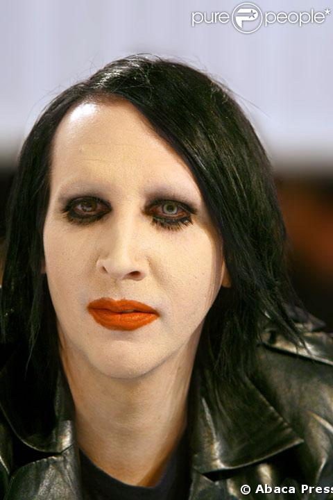 Marilyn Manson 133670-marilyn-manson-637x0-1