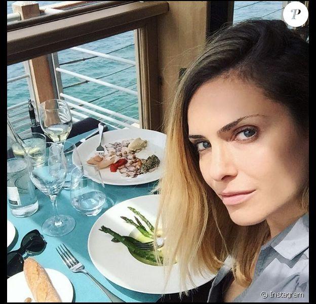 Clara Morgane heureuse à Marseille