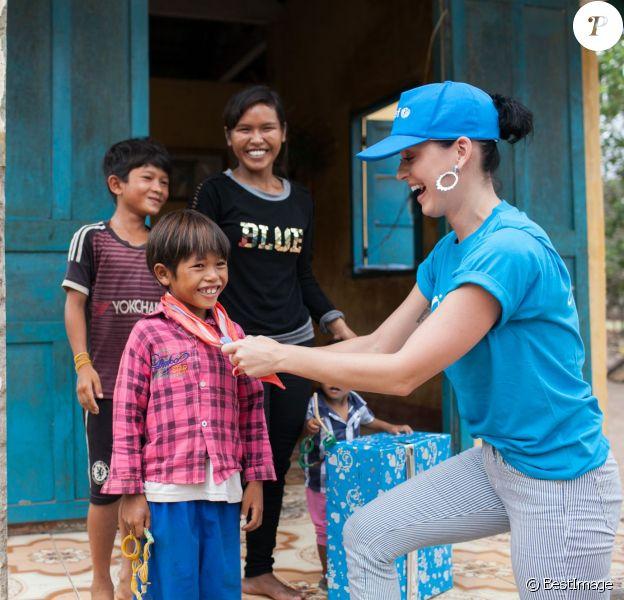Katy Perry, ambassadrice de bonne volonté de l'UNICEF en visite au Vietnam, le 27 mai 2016.