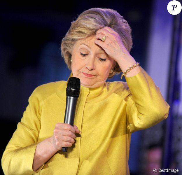 Hillary Clinton, candidate démocrate aux primaires pour les élections présidentielles américaines, en meeting au Lanfing Cafe and Community dans le quartier de Brooklyn à New York. Le 9 avril 2016