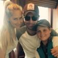 Anna Kournikova a publié une photo de couple avec Enrique Iglesias, et son petit frère Allan sur sa page Instagram, le 9 juin 2016