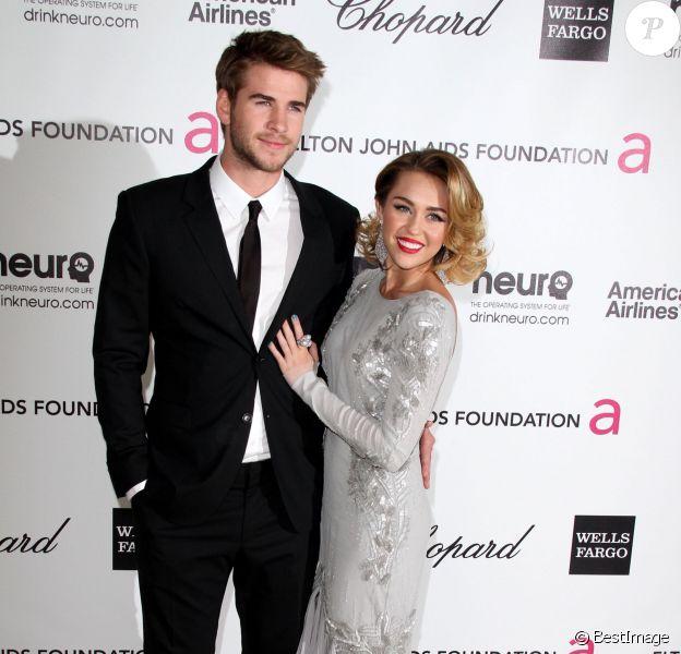 Liam Hemsworth et Miley Cyrus à la 20e soirée annuelleElton John AIDS Foundation Academy Awards, le 26 février 2012