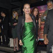 Kate Moss : Chanteuse de jazz devant son chéri et Naomi Campbell