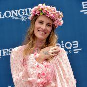 Prix de Diane : Sophie Thalmann florale et prête pour l'été devant Erika Moulet