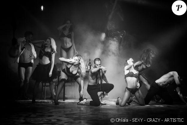 """Image du spectacle """"Ohlala - SEXY - CRAZY - ARTISTIC"""" présenté par Gregory & Rolf Knie aux Folies Bergère à Paris, du 23 juin au 11 septembre 2016."""