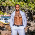 "Dimitri torse nu sur sa photo officielle des ""Anges 8"", sur NRJ12"