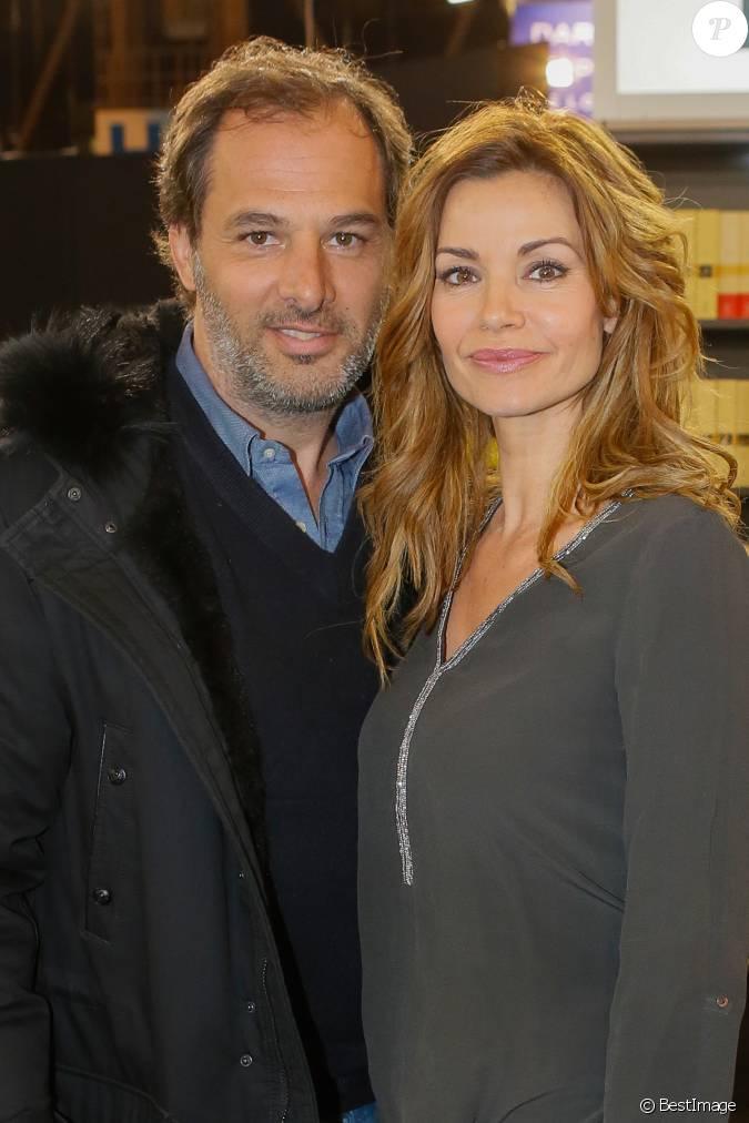 Ingrid chauvin et son mari thierry peythieu au salon du livre la porte de versailles paris - Salon du livre porte de versailles 2015 ...