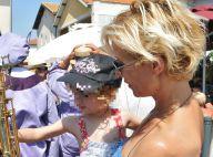 Rebecca Hampton et sa petite Eléa : Tandem complice lors d'une fête gourmande