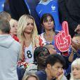 Dimitri Payet avec ses fils Noa et Milan et sa femme Ludivine Payet - Les joueurs retrouvent leur famille dans les tribunes à la fin du match de quart de finale de l'UEFA Euro 2016 France-Islande au Stade de France à Saint-Denis le 3 juillet 2016. © Cyril Moreau / Bestimage