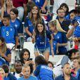 Ludivine Sagna (Femme de Bacary Sagna) son fils Kais, Sandra Evra (Femme de Patrice Evra), sa fille, Maona et son fils, Lenny lors du match de l'Euro 2016 Allemagne-France au stade Vélodrome à Marseille, France, le 7 juillet 2016.