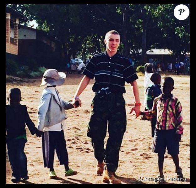 Madonna et ses enfants, Lourdes Leon, Rocco et David Banda et Mercy James sont en voyage humanitaire au Malawi. Photo publiée sur Instagram, le 7 juillet 2016