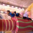 """Clio Pajczer lors de l'épreuve des cylindres dans """"Fort Boyard"""". Le 10 juillet 2016 sur France 2."""