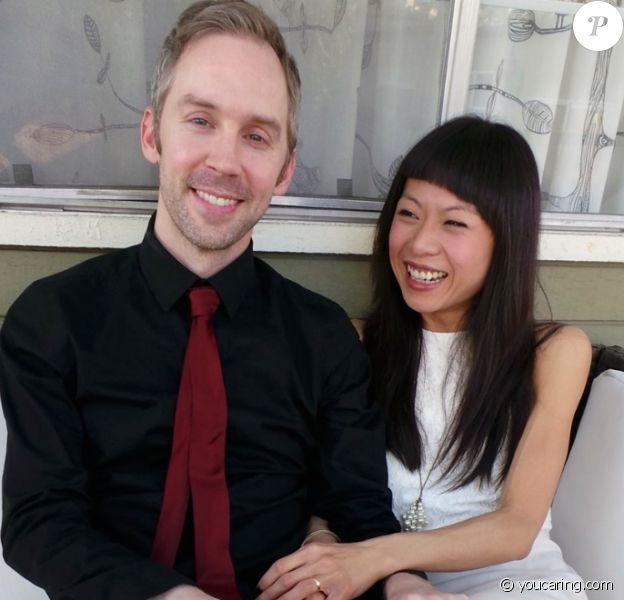 """Matt Villines et son épouse, Linda Tan Villines. Réalisateur de l'émission """"Saturday Night Live"""", Matt avait été diagnostiqué du cancer en 2014. Son décès a été confirmé le 11 juillet 2016."""