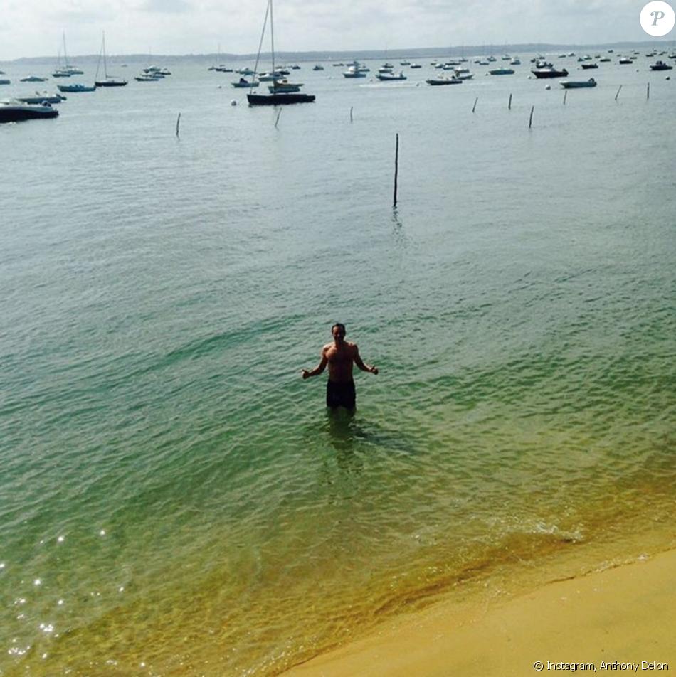 vacances au cap ferret Anthony Delon en vacances au Cap-Ferret, juillet 2016.