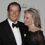 Roger Moore, le coeur brisé, annonce la mort de sa belle-fille Christina, 47 ans