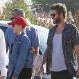Miley Cyrus et Liam Hemsworth à la sortie du restaurant Nobu à Malibu le 24 juillet 2016