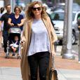 Exclusif - Ellen Pompeo se promène à Beverly Hills Los Angeles, le 10 juin 2016